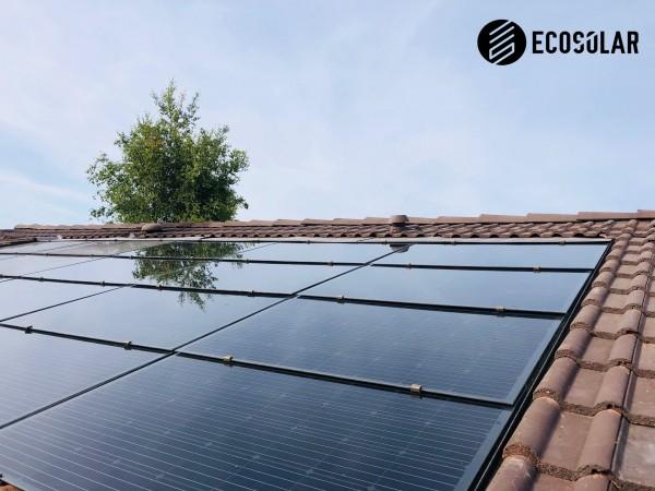 Tuile photovoltaïque