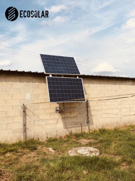 Alimentation abreuvoir automatique pour chevaux et électrification de enclos photovoltaïque
