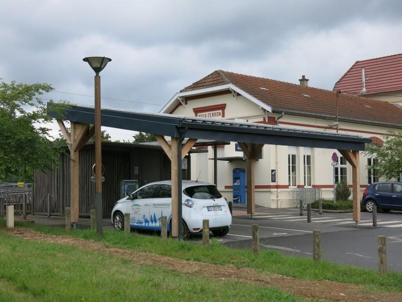 Ombrière photovoltaïque et Borne de recharge véhicules électriques IRVE Ardennes 08