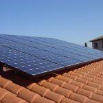 Les 10 raisons de privilégier la pose des panneaux solaires en surimposition